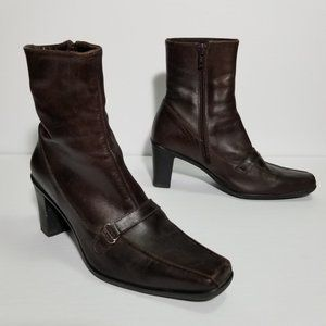 La Canadienne Brown Leather Square Toe Ankle Boots